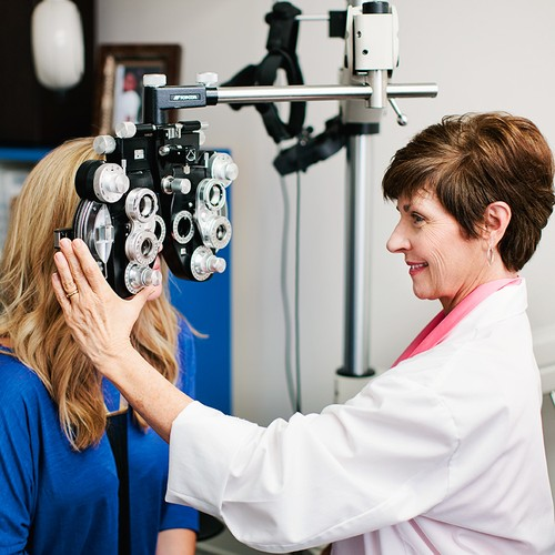 Optometry Jobs – Optometrist Job Description