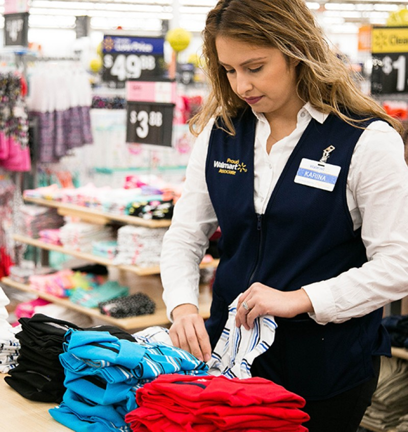 wal mart employee reward system Top - down recognition in a top-down employee recognition system, an employee's supervisor witnesses and recognizes their contributions top-down recognition can take many forms.